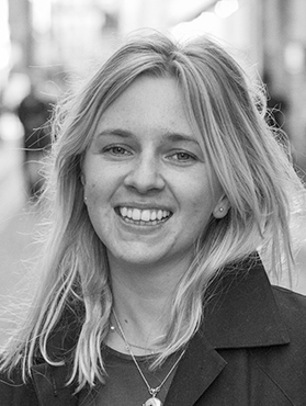 Lisa Anderholm : Content Manager / Copywriter